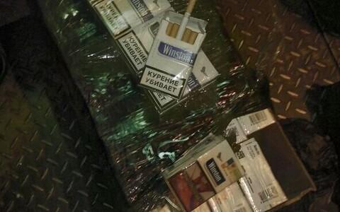 В локомотиве нашли контрабандные сигареты.