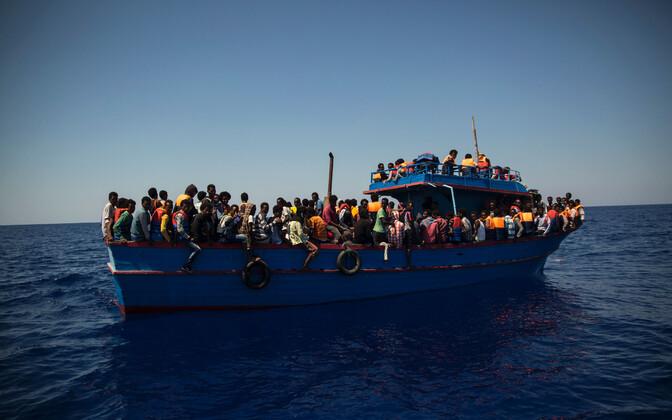 Migrantide laev Liibüa ranniku lähistel 2017. aasta augustis.