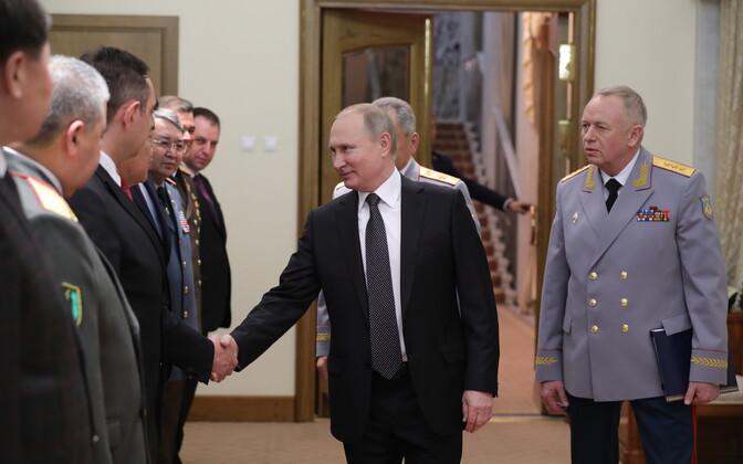 Venemaa president Vladimir Putin isamaa kaitsjate päeva puhul korraldatud tseremoonial.