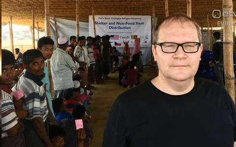 Paet visiting a Rohingya refugee camp, February 2018.