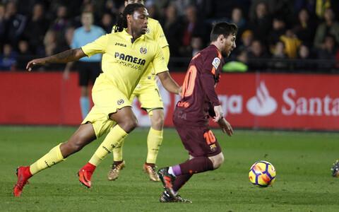 Semedo (kollases) ja Lionel Messi.