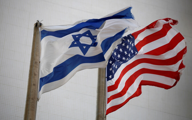 Государственные флаги Израиля и США