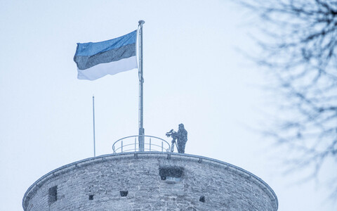 Festive flag-raising ceremony at Tall Hermann Tower in Tallinn on Saturday morning. Feb. 24, 2018.