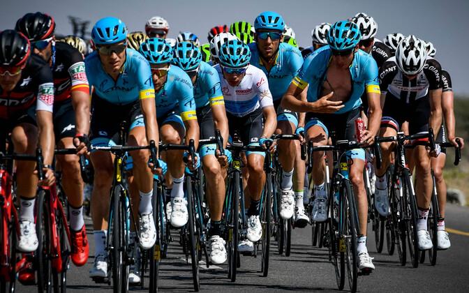 Jalgratturid võistlemas