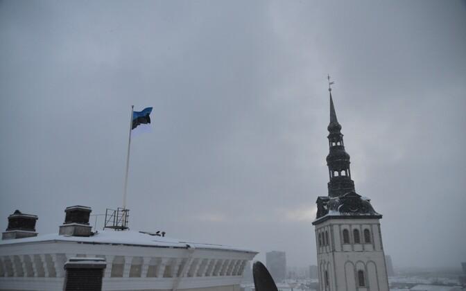 Soome saatkond Tallinnas heiskas 24. veebruaril Eesti lipu
