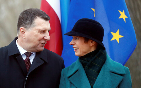 Latvian President Raimonds Vējonis with President Kersti Kaljulaid at an event in the border town of Valka. Dec. 21, 2017.