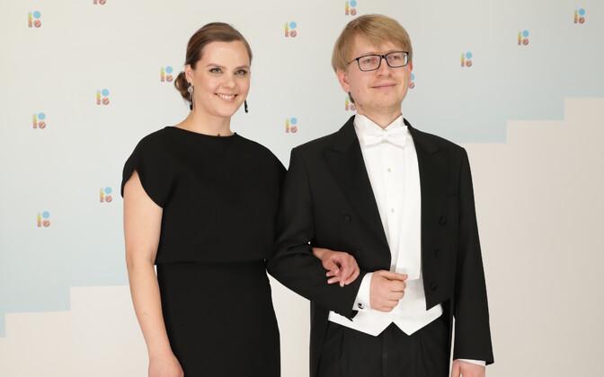 Писатель П.И.Филимонов с телеведущей Еленой Соломиной.