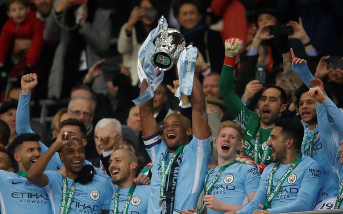 Liigakarika võitnud Manchester City meeskond.