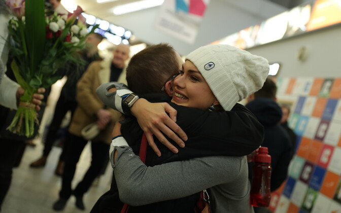 Olympic speedskater Saskia Alusalu arrived at Tallinn Airport late on Monday night. Feb. 26, 2018.