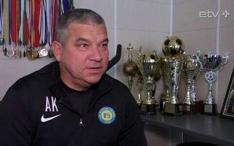 Адьям Кузяев в офисе