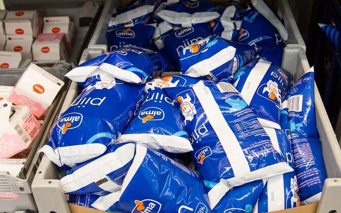 Клиенты торговых центров пока не заметили снижения цен на молоко.