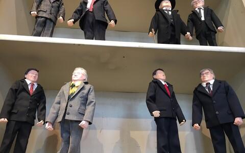 Куклы политиков в Вильянди.