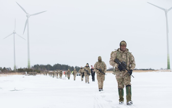 Allied soldiers, Estonian troops and volunteer troops marched across sea ice to the island of Muhu on Thursday. March 8, 2018.