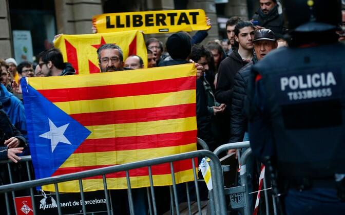 Kataloonia iseseisvusmeelsed meeleavaldajad.