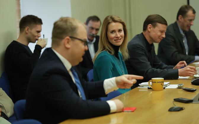 Тынис Кыйв на собрании руководства Партии реформ.