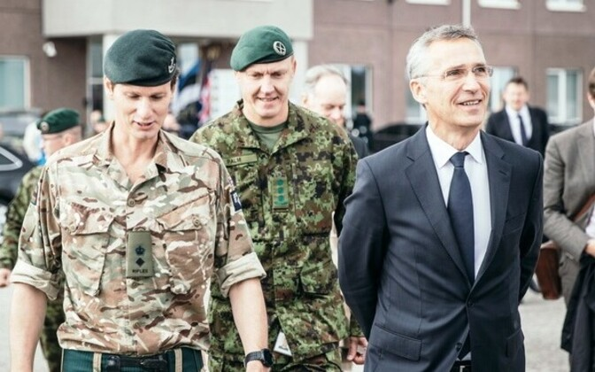 Col. Veiko-Vello Palm (center) with NATO Secretary General Jens Stoltenberg (right).