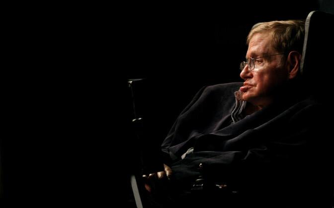 С конца 1960-х ученый передвигался только на коляске.