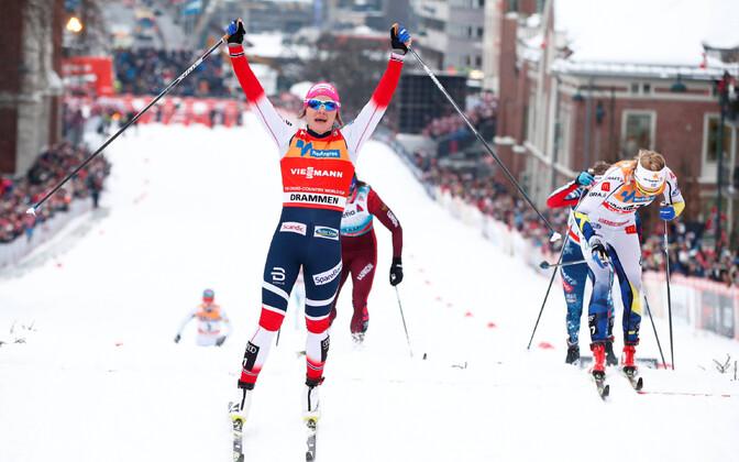 Eelmise nädala Drammeni sprindi võitis Maiken Caspersen Falla Stina Nilssoni (paremal) ees.