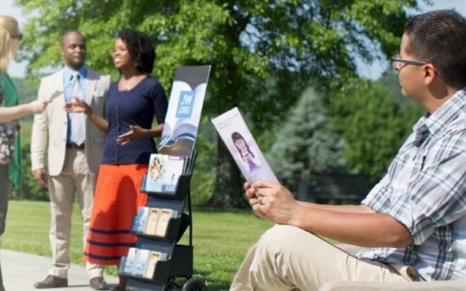 Во всем мире свше 8,4 млн свидетелей Иеговы.