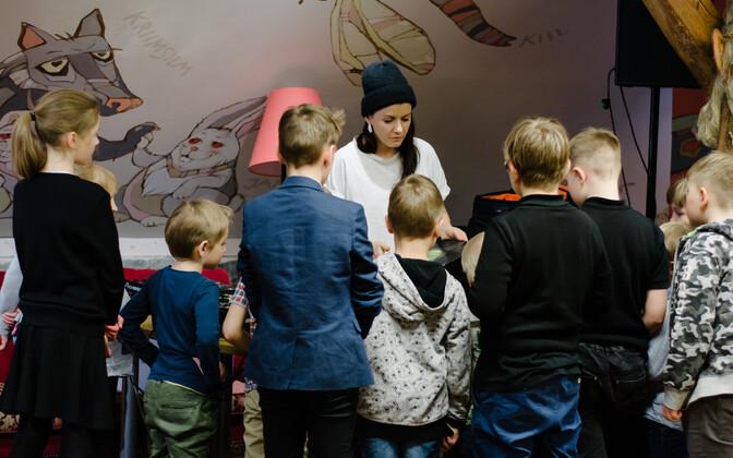 В детской программе TMW мастер-классы по креативному письму и оформлению обложек пластинок.