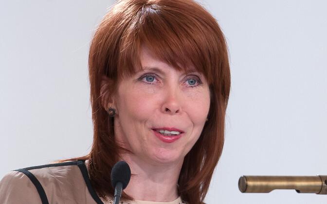 Tartu ülikooli eetikakeskuse juhataja, humanitaarteaduste ja kunstide valdkonna dekaan, professor Margit Sutrop.