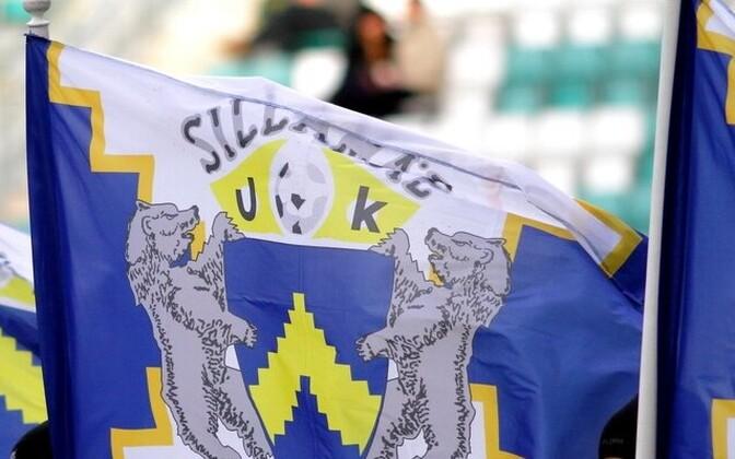 Флаг силламяэского футбольного клуба.