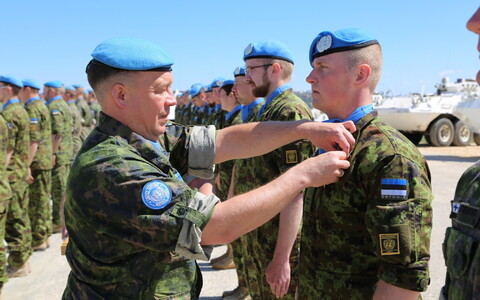 Estonian peacekeepers receiving UN mission medals in a ceremony in Southern Lebanon on Saturday. March 17, 2018.