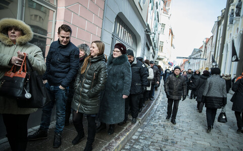 Voters waiting outside the Russian embassy in Tallinn, March 18, 2018.