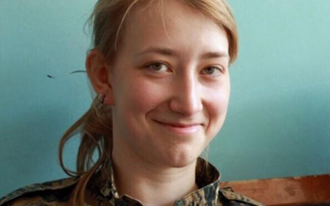 Afrinis langenud kurdi võitleja, Briti kodanik Anna Campbell.