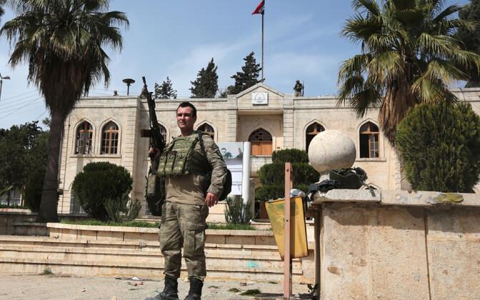 Türgi sõdur Afrini kesklinnas 19. märtsil.