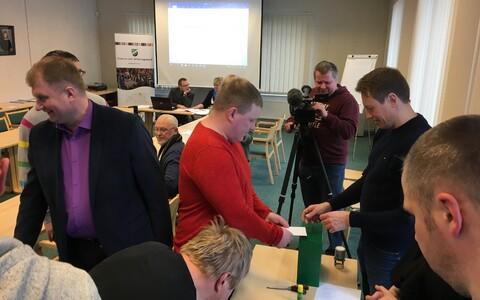 Выборы старейшины Кадрина опять провалились.