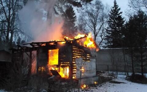 Пожар удалось быстро потушить.