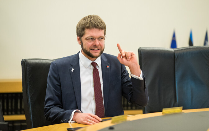 SDE chair Jevgeni Ossinovski.