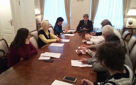 Брифинг посольства РФ