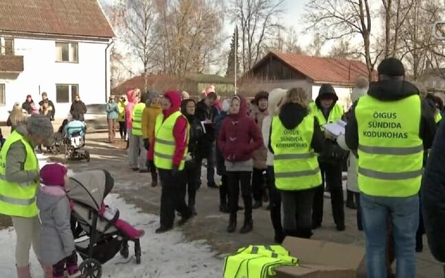 Протест против закрытия родильного отделения в Валга в апреле 2018 года.