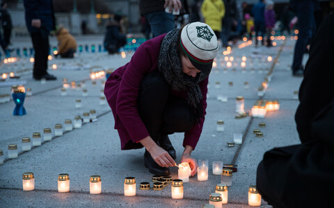 Thousands of candles are lit all over the country every year to commemorate the victims of the 1949 March deportations.