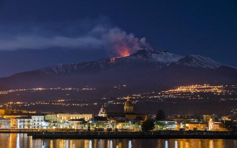 Etna vulkaan on aktiivne rohkem kui ühes mõttes.