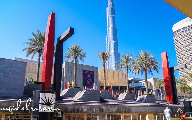 Фасад ТЦ Dubai Mall.