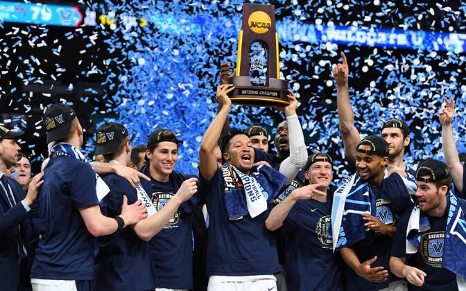 Villanova Wildcats NCAA turniiri võidukarikaga.