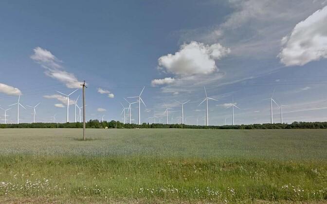 Vaade maksimaalsete parameetritega hüpoteetilistele tuulikutele Tabria külast Uduvere-Suigu-Nurme teelt.