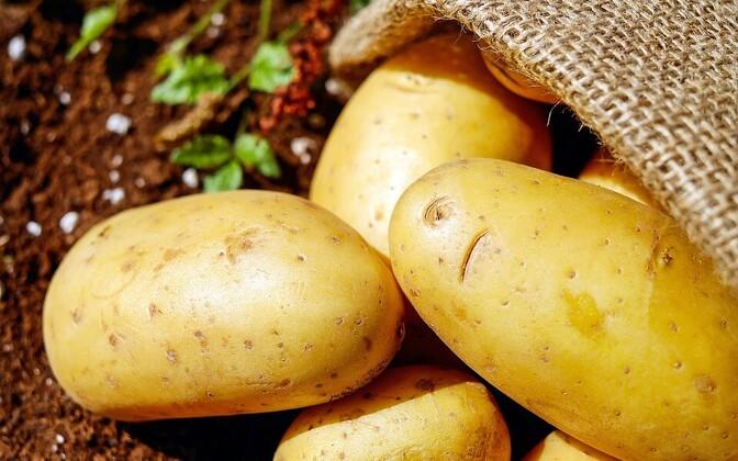 Наиболее заметно подорожал картофель - почти на 28%.