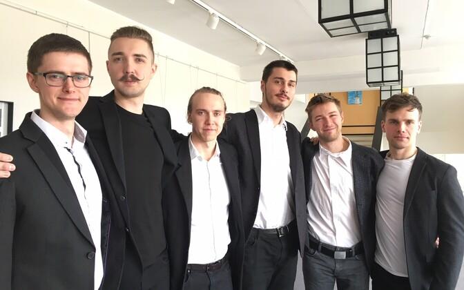 Paide Teatris alustavad sügisel tööd (vasakult) teatrijuht Harri Ausmaa, lavastaja Jan Teevet ning näitlejad Ursel Tilk, Kirill Havanski, Johannes Richard Sepping ja Joosep Uus.