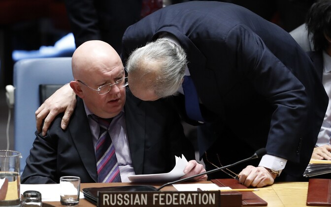 Venemaa suursaadik ÜRO-s Vassili Nebenzja ja Süüria suursaadik Bashar Jaafari.