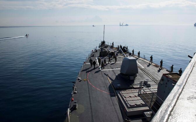 Foto USS Donald Cooki pardalt.