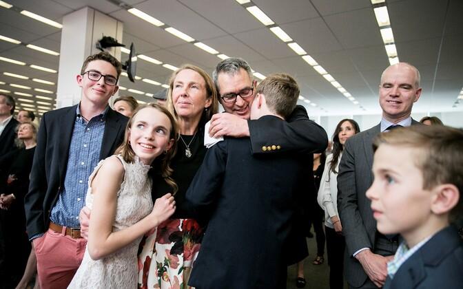 New York Timesi ajakirjanikud tähistavad Pulitzeri võitmist.