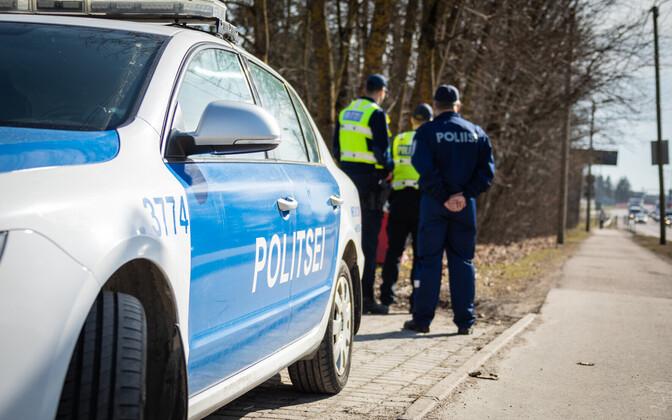 0fca8df2cf6 Autor/allikas: PPA. Eesti. Teisipäeval pidas politsei Tallinna-Tartu  maanteel ...