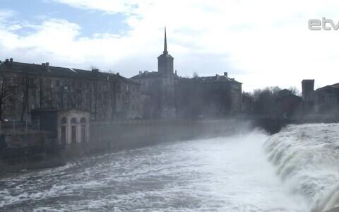 Силой воды можно любоваться лишь несколько  дней в году.