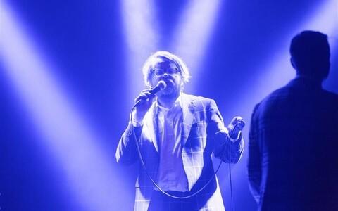 Jan Kausi ja tema meeskonna muusikalised vahepalad on publiku tuju tõstmiseks ja hoidmiseks hädavajalikud.