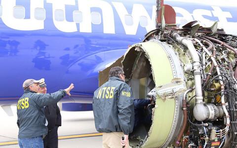 17 апреля самолет Boeing 737-700 компании Southwest Airlines, летевший из Нью-Йорка в Даллас с 144 пассажирами и 5 членами экипажа на борту, совершил аварийную посадку в Филадельфии.