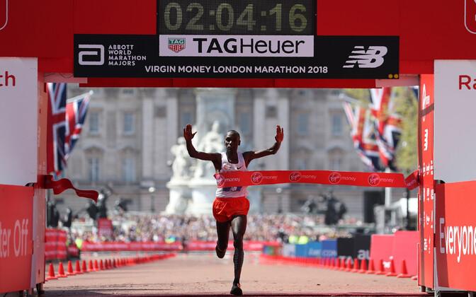 Eliud Kipchoge võitis kolmandat korda Londoni maratoni.
